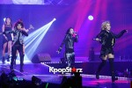 38527-gs-concert-2ne1-performance