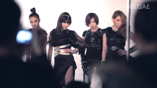 2NE1 LOVES SHINSEGAE - BEHIND THE SCENES 4300