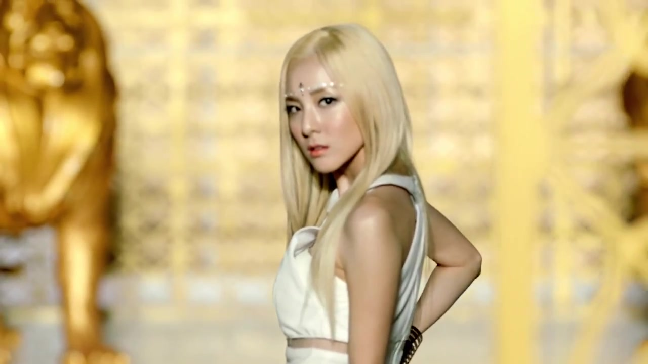 "[CAPS] Gorgeous, Flawless Sandara from ""Falling In Love ... Dara Falling In Love Nails"
