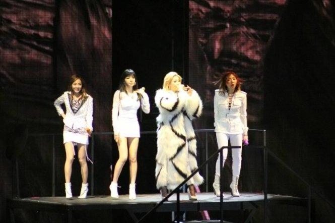 2NE1-AONinShanghai-57