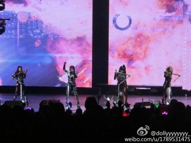 2NE1-AONinShanghai-HQ-1