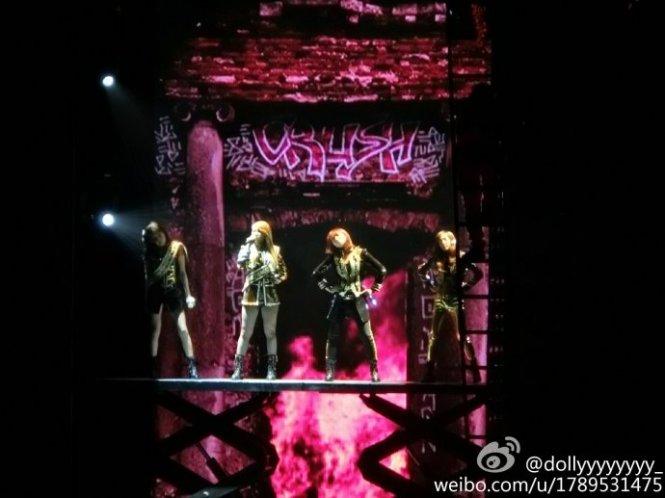 2NE1-AONinShanghai-HQ-2
