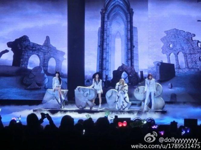 2NE1-AONinShanghai-HQ-3