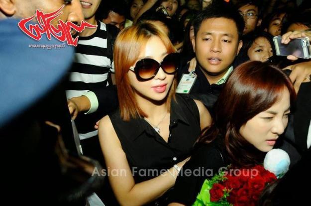 [PHOTOS] 140731 - Press Pictures of 2NE1 at Yangon International Airport, Myanmar 3