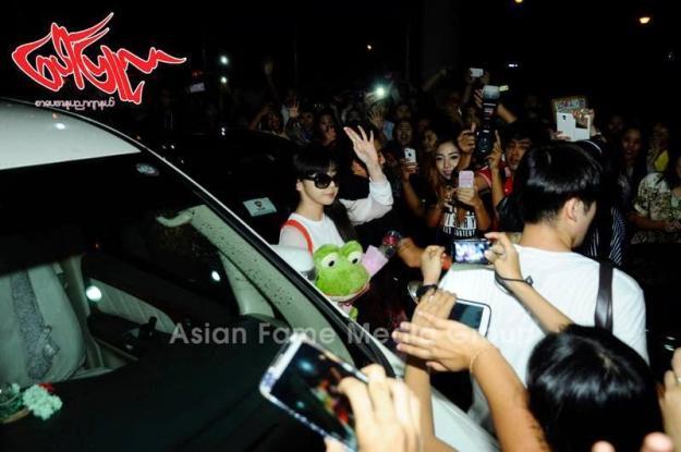 [PHOTOS] 140731 - Press Pictures of 2NE1 at Yangon International Airport, Myanmar 4