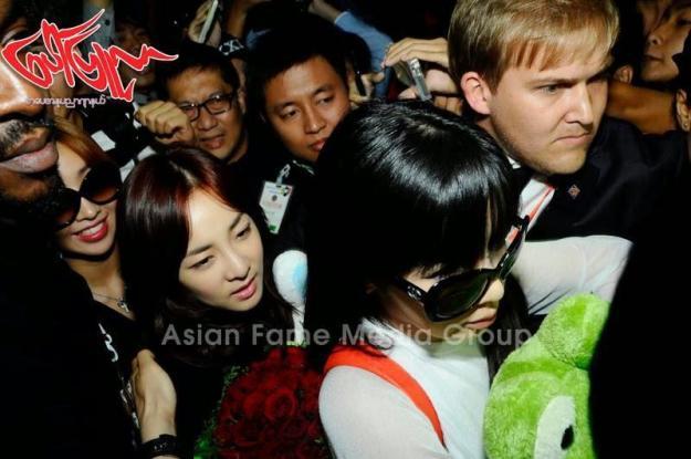 [PHOTOS] 140731 - Press Pictures of 2NE1 at Yangon International Airport, Myanmar 5