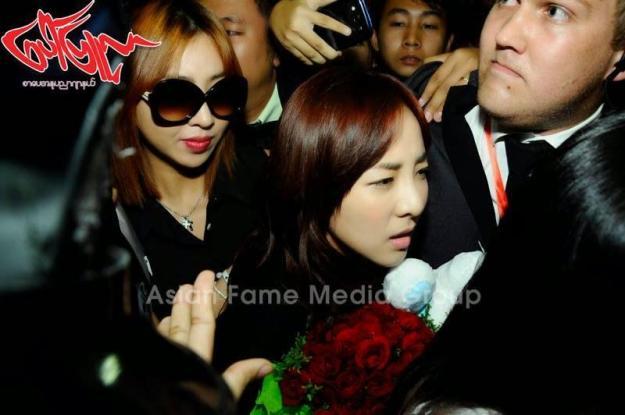 [PHOTOS] 140731 - Press Pictures of 2NE1 at Yangon International Airport, Myanmar 6