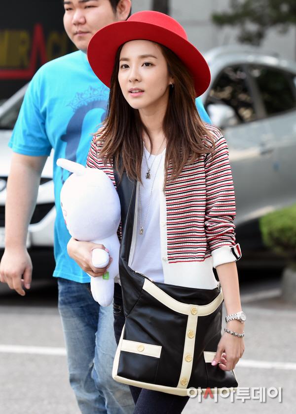 150501 Dara at KBS Music Bank 13