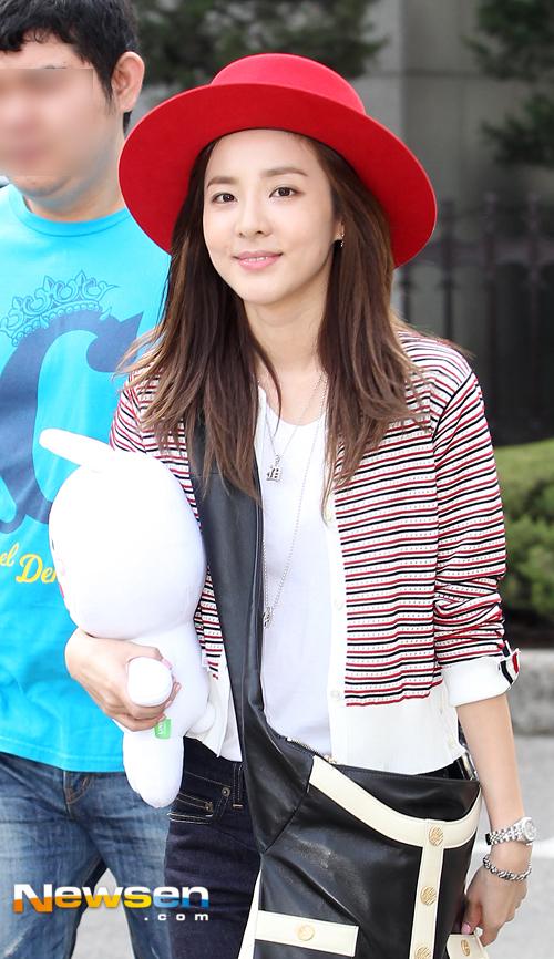 150501 Dara at KBS Music Bank 3