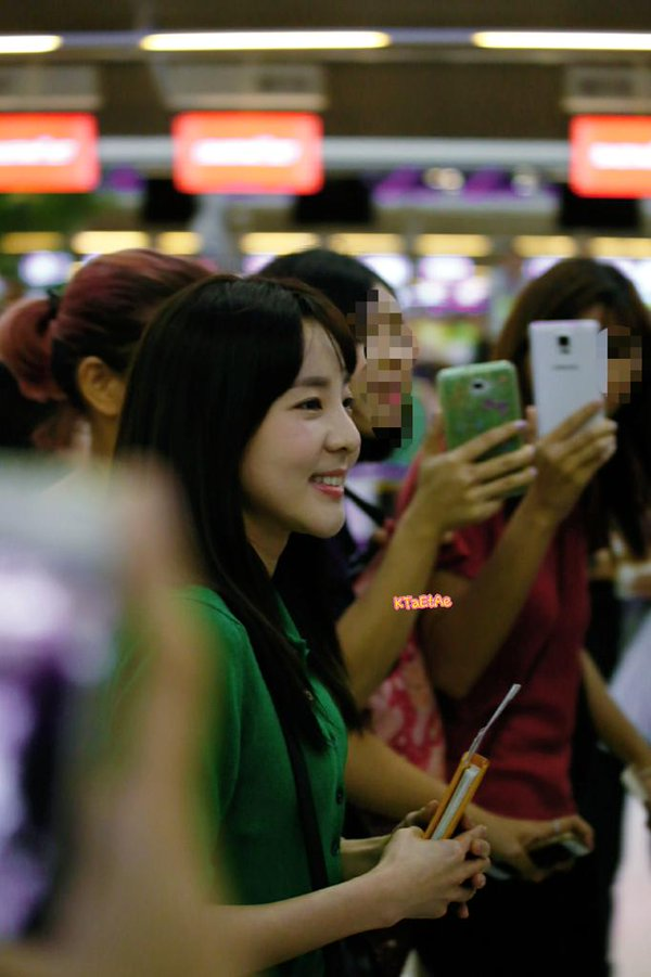 Airport-Leaving-Bangkok-Dara-10