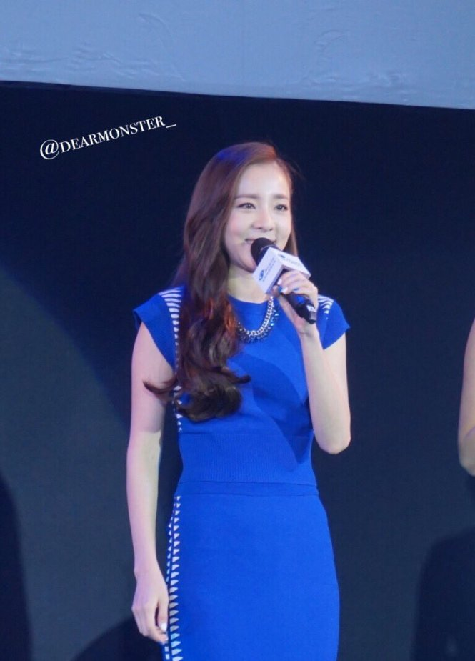 Head & Shoulders-TriAction-Event-Dara-14
