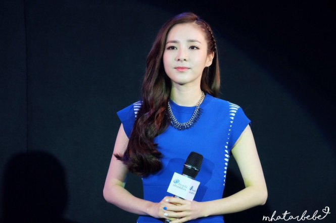 Head & Shoulders-TriAction-Event-Dara-36