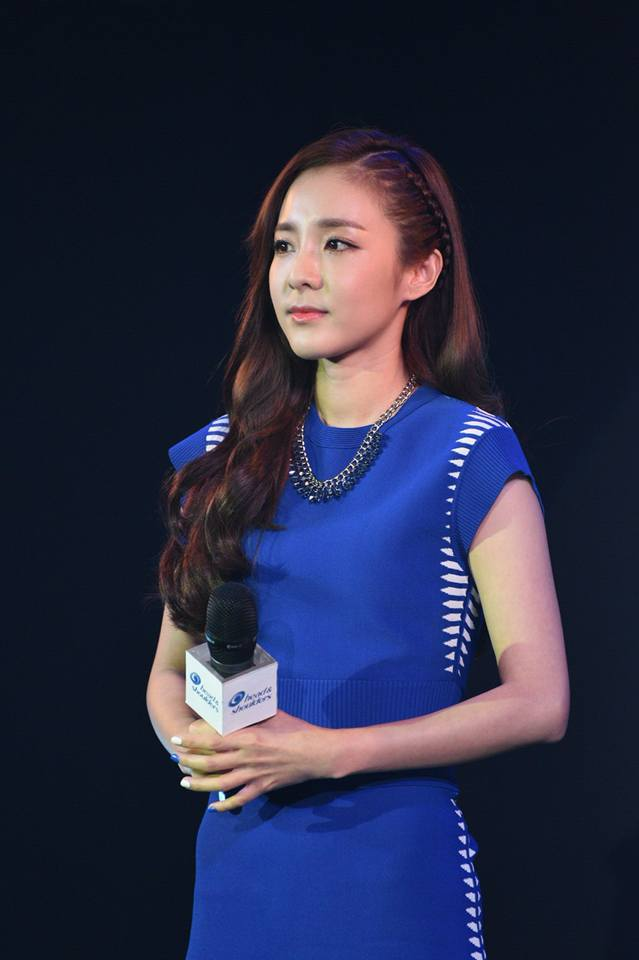 Head & Shoulders-TriAction-Event-Dara-39