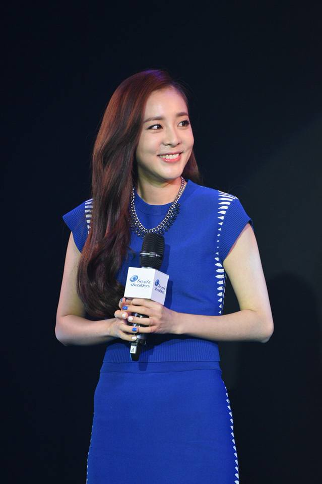 Head & Shoulders-TriAction-Event-Dara-42