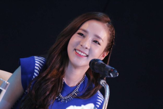 Head & Shoulders-TriAction-Event-Dara-56