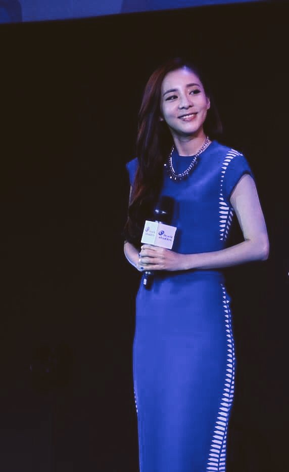 Head & Shoulders-TriAction-Event-Dara-58