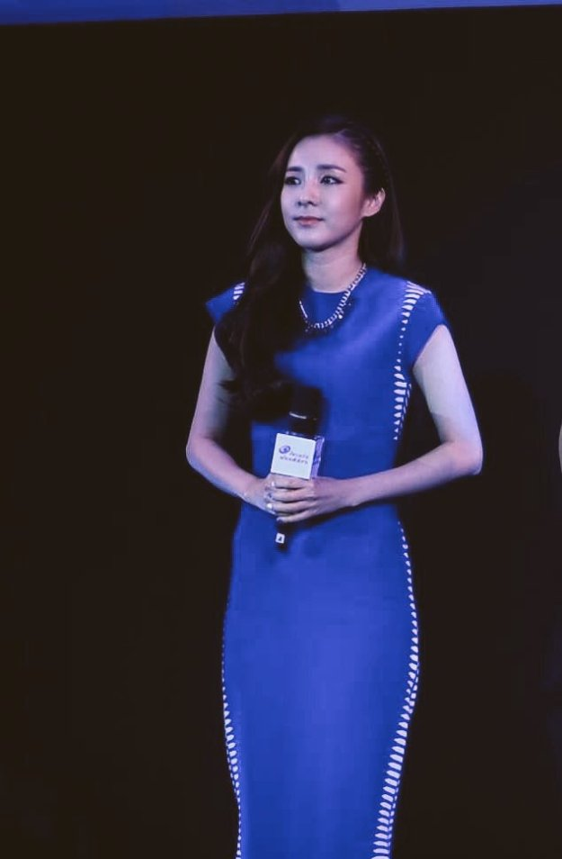 Head & Shoulders-TriAction-Event-Dara-59