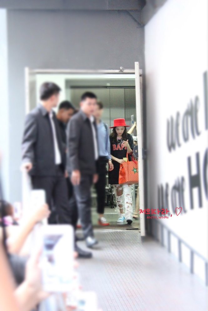 Leaving-Dara-4