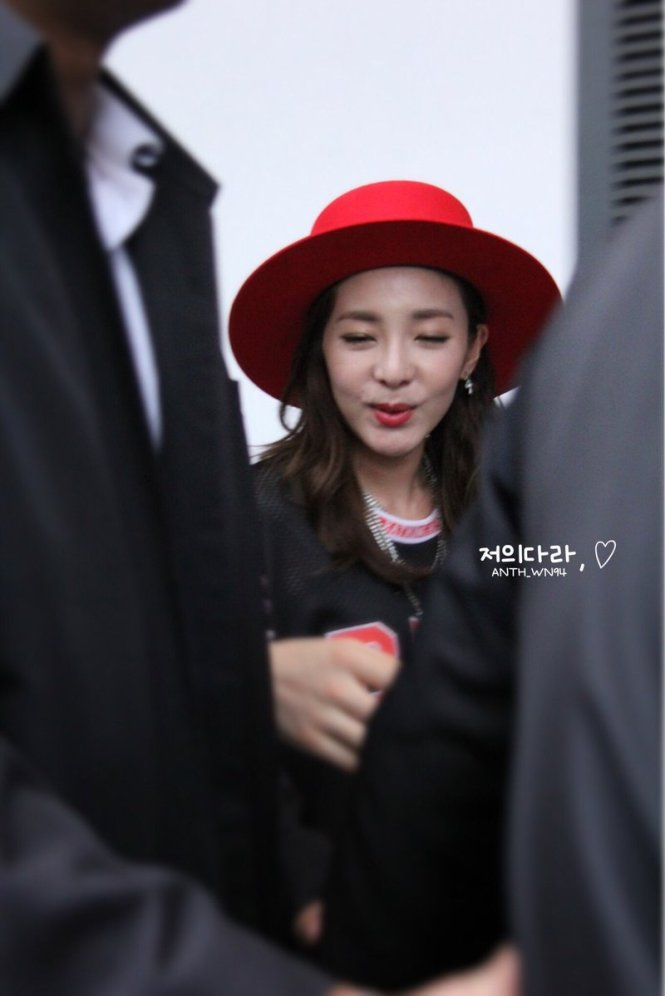 Leaving-Dara-8