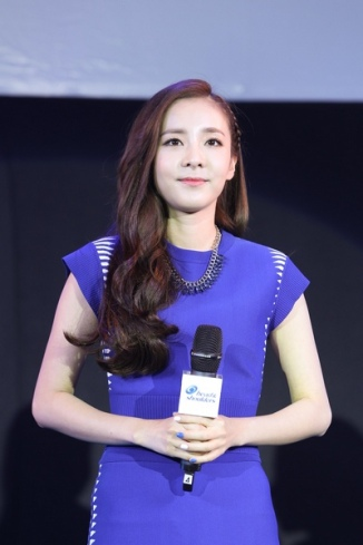 160624-Dara-Head-&-Shoulders-PressCon-9