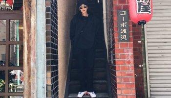 ce504b3f3135 [SNS UPDATES] 170428 Sandara Park Looking Cool in Black Getup in Japan